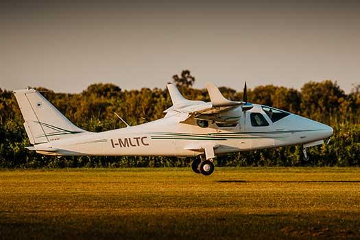 lezione di volo con ultraleggero per rinnovo attestato VDS