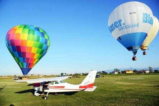 volo di tre mongolfiere in partenza dall'Aviosuperficie Sibarifly