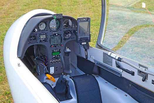 strumenti di navigazione aerea di un aeromobile