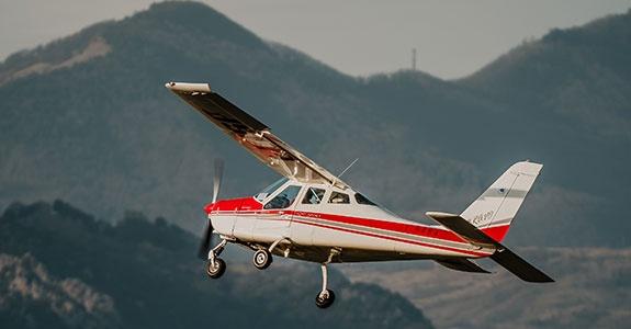 ultraleggero in volo durante sessione pratica del corso VDS Base